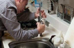 Faire appel à un plombier professionnel