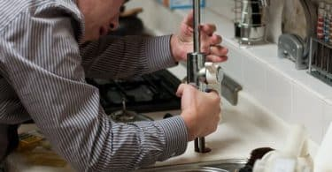 Conseils pour choisir le meilleur plombier