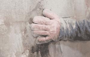 Fuite d'eau dans les murs pourquoi faire appel à un plombier professionnel